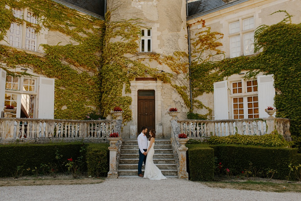 Blogging is great for wedding venues.